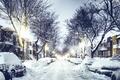 Картинка снег, зима, Quebec, дома, дорога, Квебек, машины, город, улица, Canada, вечер, фонари, Канада