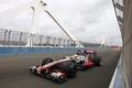 Картинка мост, трасса, формула 1, пилот, испания, formula 1, гонщик, 2011, formula one, mclaren, льюис хэмильтон, ...