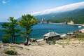 Картинка Baikal, горы, деревья, побережье, песок, Россия, Байкал, озеро, дом, голубое, небо, облака