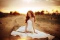 Картинка невеста, цветы, дорога, песок, девушка, Таня Тургенева, Runаway bride, платье