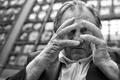 Картинка портрет, руки, взгляд, чёрно-белая, Gérard Depardieu, монохром, Жерар Депардьё